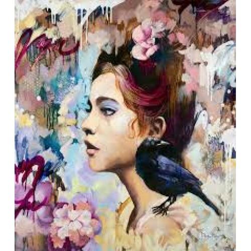 Момиче с врана
