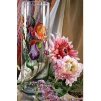 Натюрморт с  ваза  и цветя